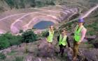 Daniel Skinner with Keith Lovegrove and George Hamilton at Delabole quarry. 16/06/99.