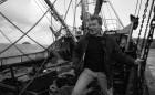Paddy Ashdown MP samples the life of a Cornish fisherman. 2/3/93. Ref G166/25.