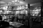 Artist Robert Lenkiewicz in his library. 28/4/90. Ref 163/56.