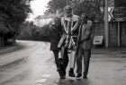 Builder Roger Potter from Liskeard gets help on his protest walk from Mayor Norman Pampling and Robert Hicks MP. 17/10/92. Ref 166/13.